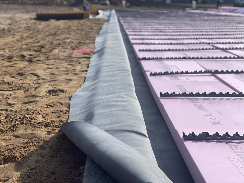 BAUDICHT EPDM Bauwerksabdichtung über die Randschalung gelegt
