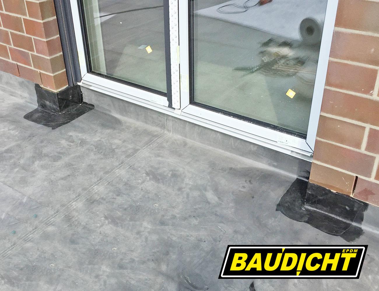 BAUDICHT EPDM Terrassenabdichtung von Außenecken